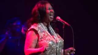 Aretha Franklin - (You make me feel like a) Natural woman - Live @ Los Angeles 2015