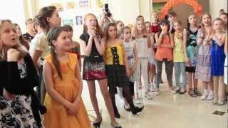 видео Выпускной школьный вечер в 9 или 11 классе школы: организация и проведение