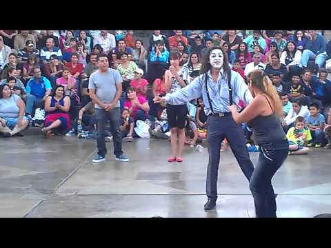 mimo Moy bailando en Plaza Rio...es perro!!!