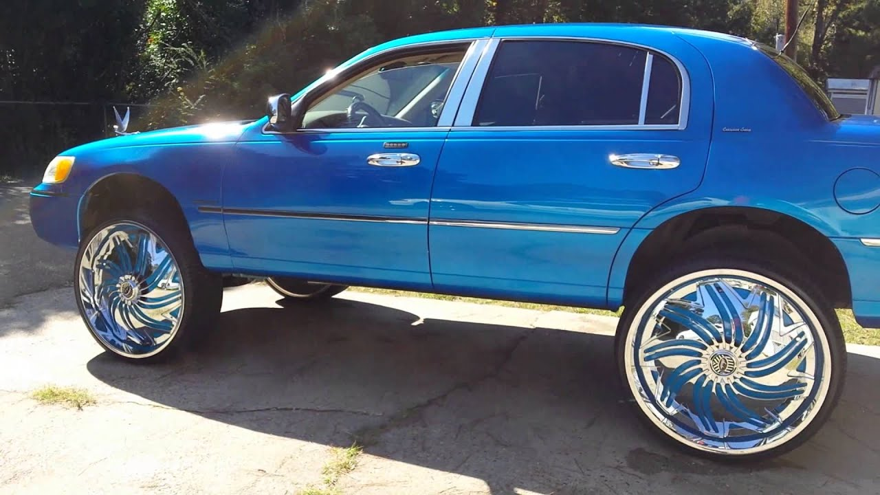 Lincoln Town Car On 28 S Youtube