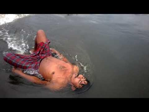 Flood in raiganj 5th day, devastating flood made 200 villages homeless