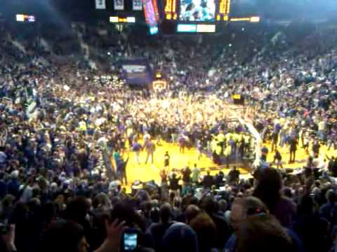 Kansas State storms court after KU defeat  Bramlage Coliseum