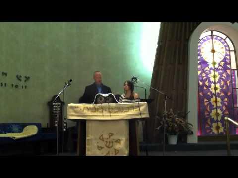 Madi Sings Kol Nidre with Cantor Wasser