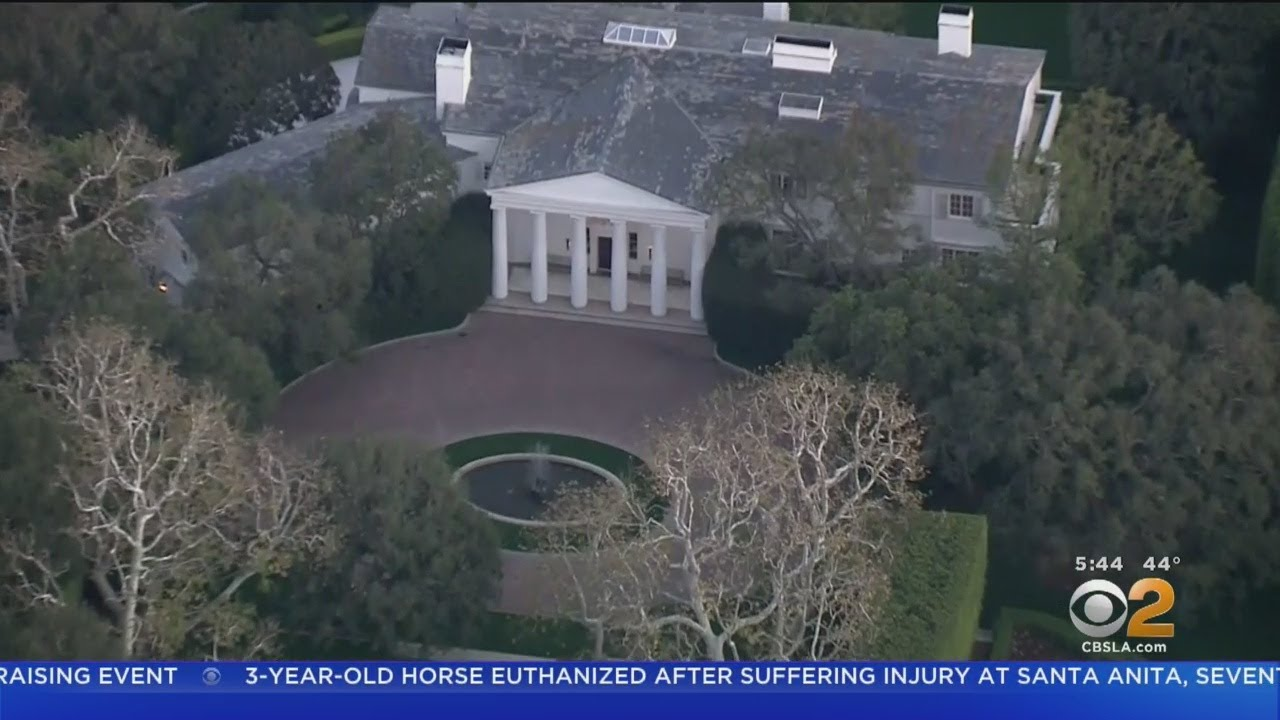 Photo of Report: Jeff Bezos of Amazon buys Beverly Hills estate for a record $ 165 million – CBS Los Angeles