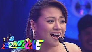 "Morrisette sings ""Two Wives"" themesong on It's Showtime"