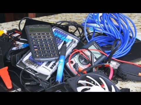 ULTIMATE Tech Tool Bag - See What Linus & Slick Carry