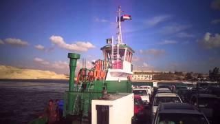 قناة السويس الجديدة : فيديو لمعديتى عبور  نمرة 6 وسفينة بجوار مدخل قناة الاتصال