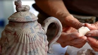 How an 18th-century agateware teapot was made