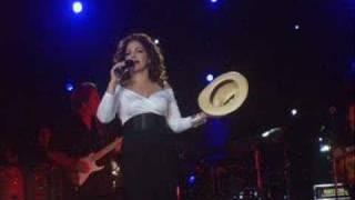 Gloria Estefan Besame
