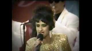 ESCANDALO - TRIBUTO A LA CUMBIA - Vilma Diaz con La Sonora Dinamita - Festival de La Calle Ocho 1994