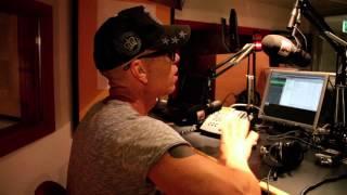 Eric Amarillo - Men Hallå! [Official Music Video]