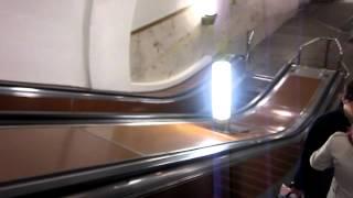 Реклама в метро Проспект Мира и станция(2012.05.08 tue -0372.MOV., 2012-05-09T00:29:21.000Z)