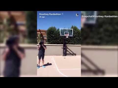 Kourtney and Rob Kardashian show off their Basketball skills | Daily Mail Online