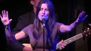 CHLOE CASTLEDINE (LIVE) - Flashlight