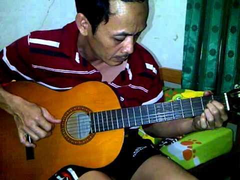 Dunia Panggung Sandiwara (Accoustic Version) cover by Djie