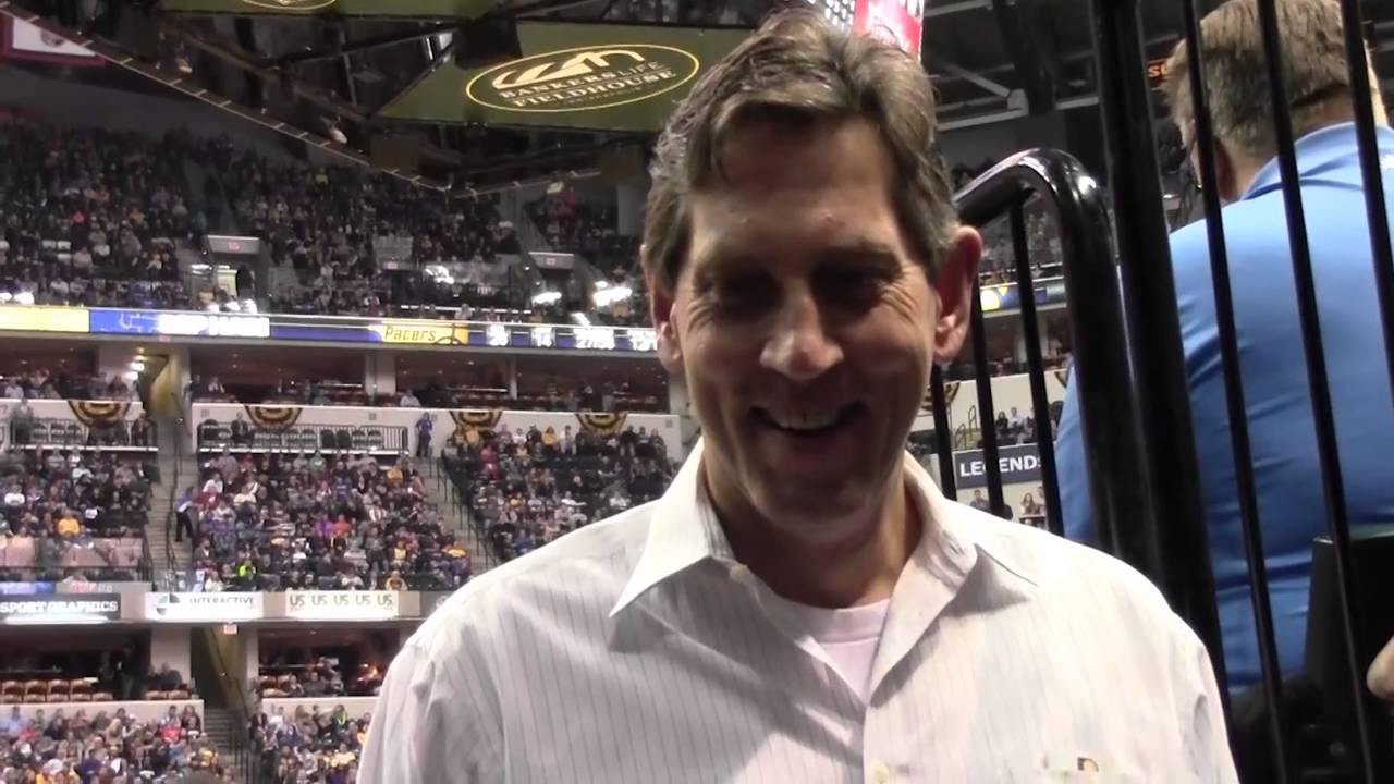 Former Pacers Center Steve Stipanovich Stops by The Fieldhouse
