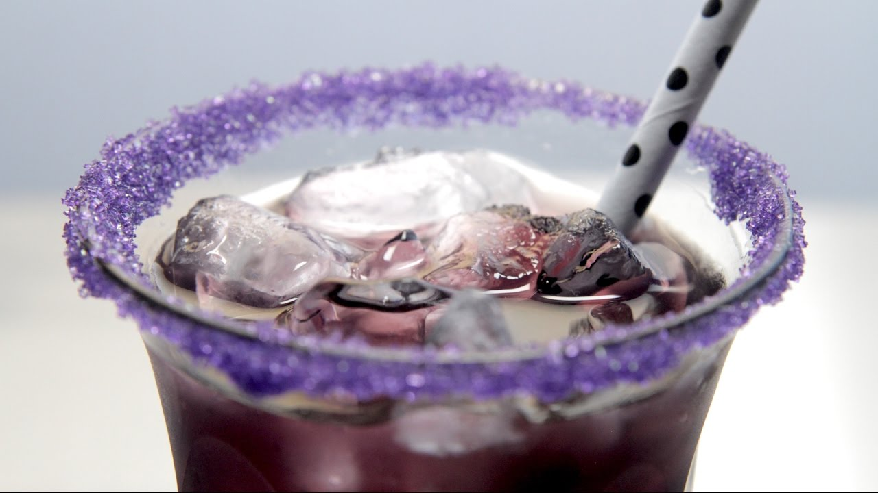 How To Make A Purple Vodka People Eater Cocktail Youtube