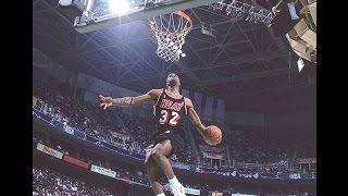 The 1993 NBA Slam Dunk Contest featured 7 competitors; Cedric Ceballos of the Phoenix Suns, David Benoit of the Utah Jazz, Kenny Smith of the Houston ...
