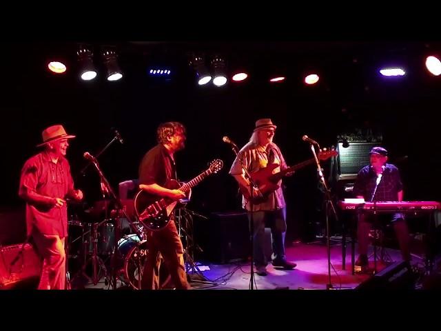 Shake A Leg ( crissinger band )