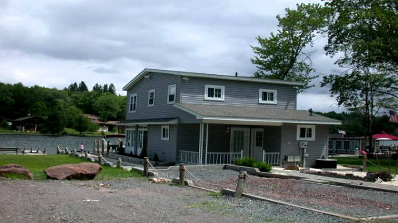Pocono Mountain Vacation Rental Lake Harmony Lakefront Home Sleeps 8