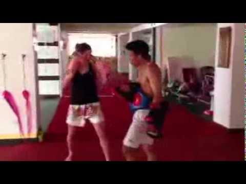 Florencia training Muay Thai with Noom