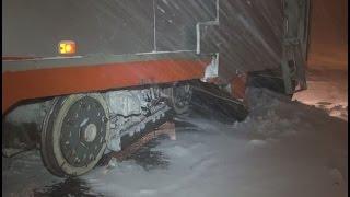 Фото Спецвагон сошел с рельсов во время чистки снега в Хабаровске . MestoproTV