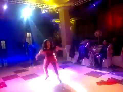Download Super dance of a little girl