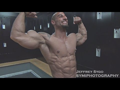 Joe Russo Classic Physique Bodybuilder Trains Arms 3 Weeks Out From Michigan Championships