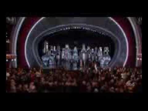 EPIC Oscar Mistake  Warren Beatty Faye Dunaway Name La La Land As Best Picture, Not Moonlight