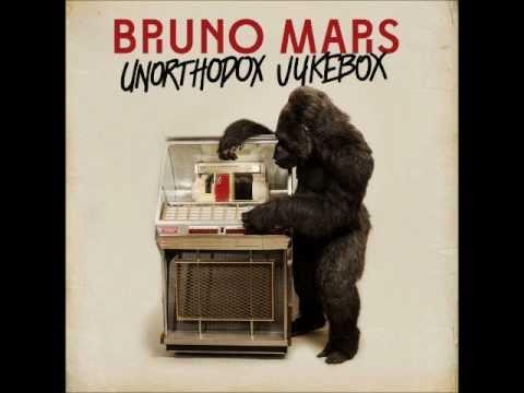 BRUNO MARS - MOONSHINE (HD)
