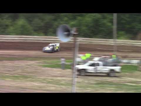 Hummingbird Speedway (6-16-18): BWP Bats Late Model Heat Race #2
