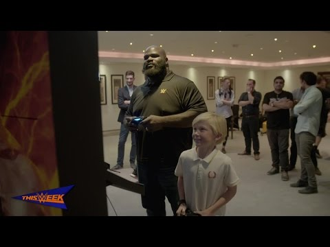 Mark Henry plays WWE 2K17 in Dubai