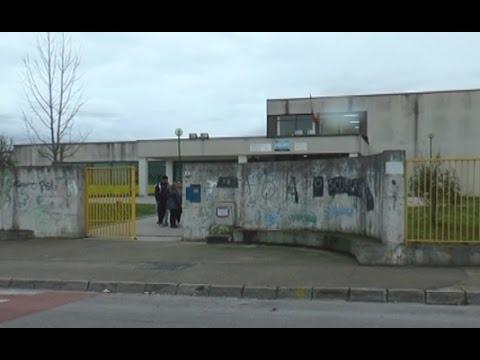 Castello di Cisterna (NA) - Spari all'uscita dei bambini dalla scuola, un ferito (25.02.15)