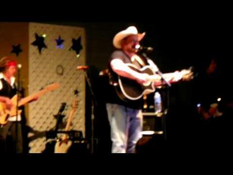 Chris Cagle - Dance Baby Dance 8/11/2012 Tyler County fair
