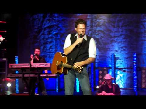 Blake Shelton (2 of 8) Wisconsin State Fair August 10th 100_1147.MP4