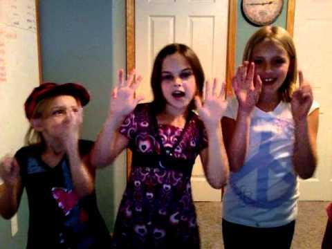 123 Jesus Loves Me 3 girls