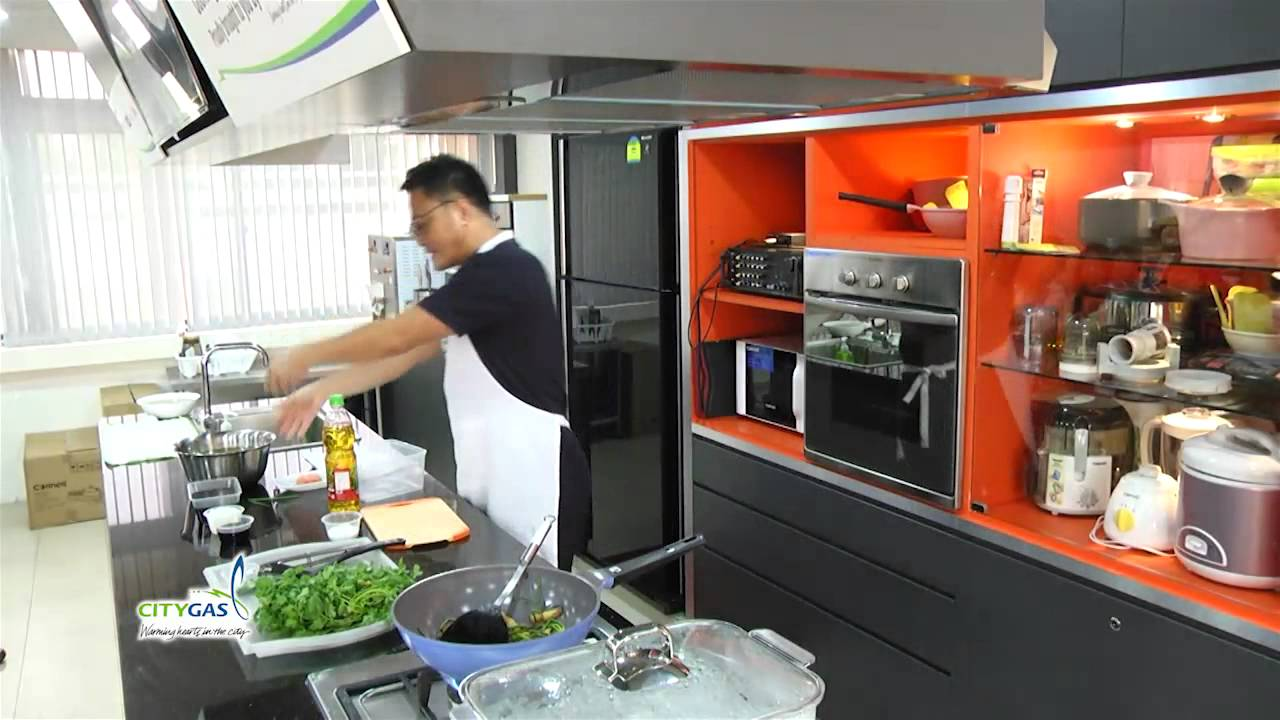 City Gas Cooking Classes 2014   Cantonese Class By Chef Sam Leong   YouTube