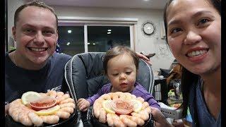Vlog 431 ll 2 Vợ Chồng Thách Thức Ăn Nhẫn Tôm Coi Ai Ăn Hết Hộp