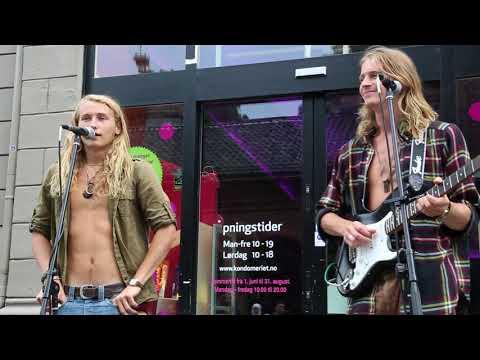 Norway Oslo Talented pop rock band / Norvège Oslo Groupe pop rock talentueux