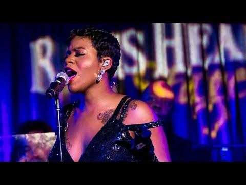 Singer tasia Barrino performance
