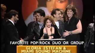 Baixar Gloria Estefan and Miami Sound Machine Win Pop/Rock Duo or Group - AMA 1989