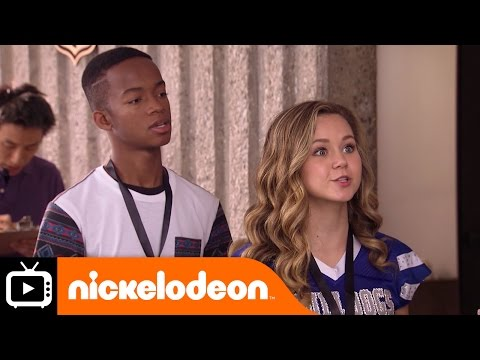 Bella and the Bulldogs | Meeting Kurt Warner | Nickelodeon UK