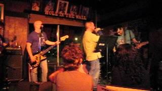 Karaoke Apocalypse - Jason sings Paradise City