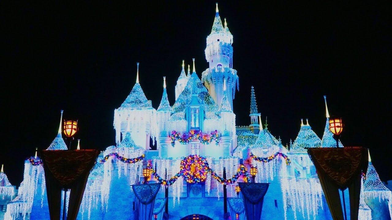 Christmas At Disneyland.Christmas At The Disneyland Resort 2018 Disneyland Vlog 35