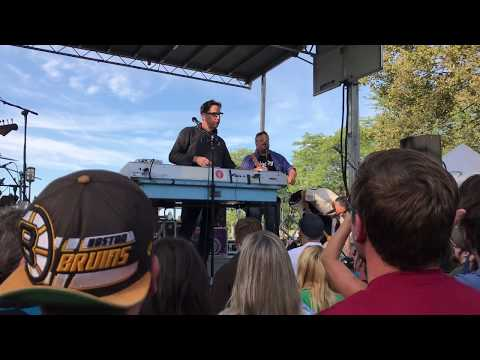 They Might Be Giants - Riverfront Music Festival 2017 - No Distractions