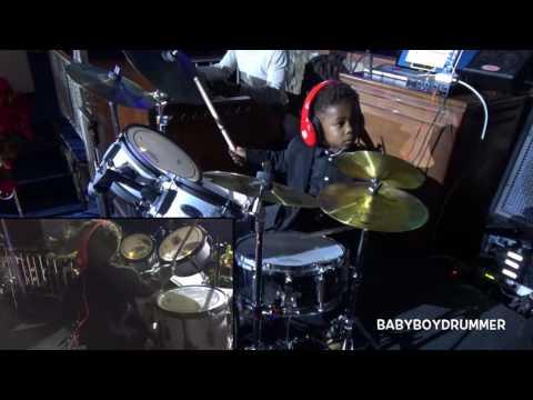 LJ's live performance