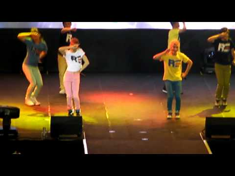 Alexander, Kevin, Kiseop, Dong Ho (UKISS) - Gee by SNSD @ Araneta 10.06.14
