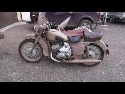 Редкий мотоцикл ИЖ Юпитер 1961 года.