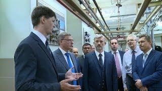 В Омске Евгению Дитриху продемонстрировали образовательный потенциал ОмГУПС и ОЛТК ГА
