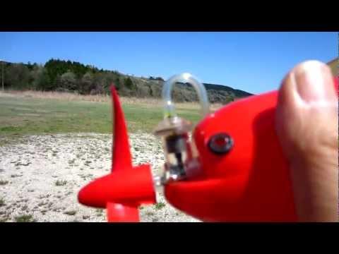 Compressed air powered airplane空気動力模型飛行機はECOです 思いのほか飛びます